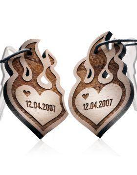 Schlüsselanhänger aus Holz 2-teiliges Set: BURNING HEART