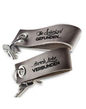 Schlüsselanhänger mit Gravur aus Leder: Im Schicksal gefunden...