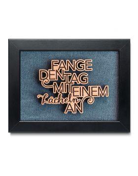 """""""Fange den Tag mit einem Lächeln an"""" - Holz Bilderrahmen mit persönlicher Gravur als Wanddeko - Navy Blau"""